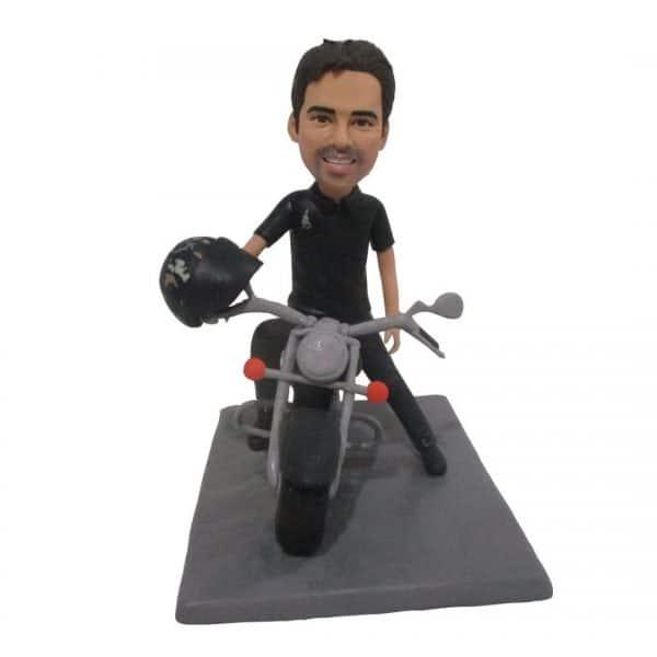 בובה מעוצבת אישית עם אופנוע